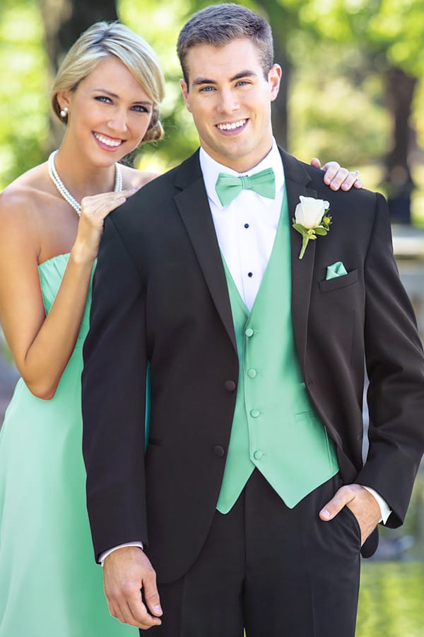 Fashion Tips: College Black Tie Formal Tuxedo
