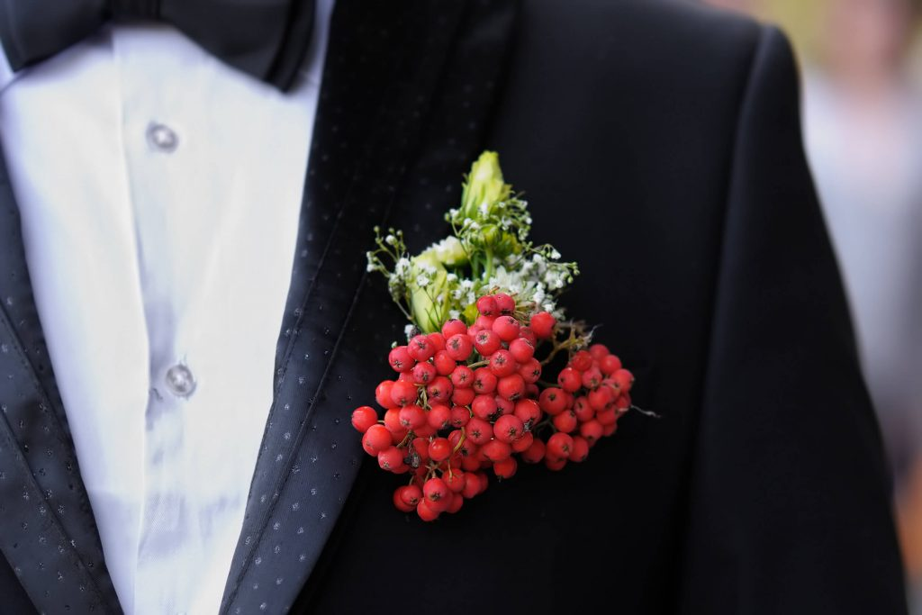 fall wedding boutonniere ideas