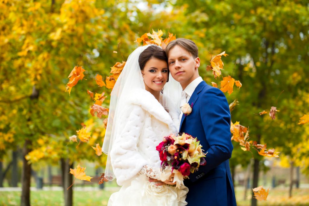 fall wedding color schemes navy blue