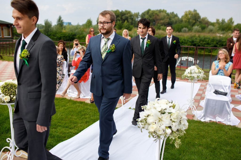groom and groomsmen suits: Rent or buy