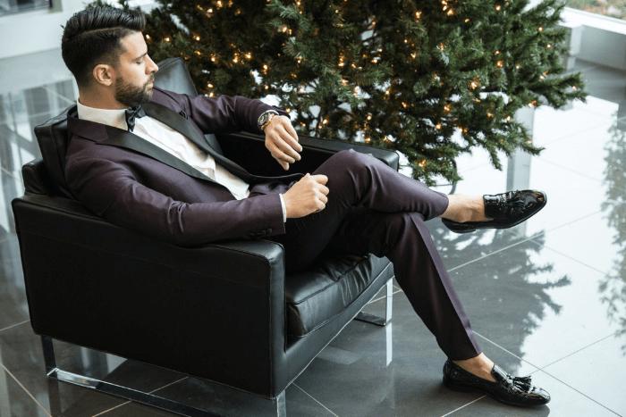 suit no socks